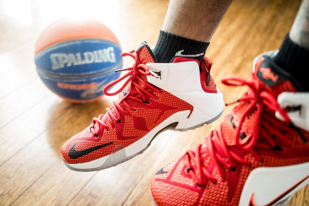 basketball shoes for flat feet
